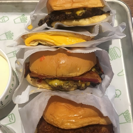 Shake Shack: New burger joint shakes up Central West End